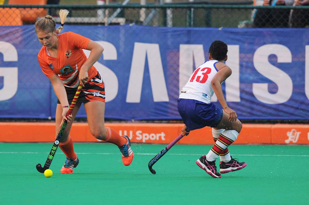 Marizen Marais (left) will play a key role for the University of Johannesburg in the defence of their Ussa women's hockey title next month. Photo: Saspa