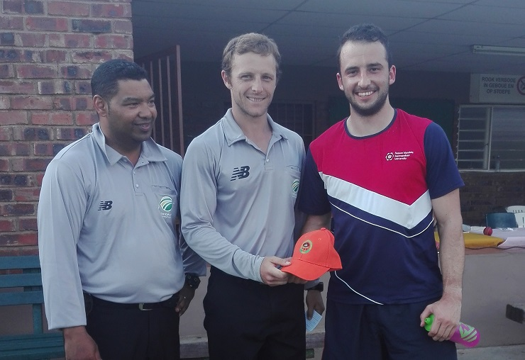 Madibaz cricketer Tian Koekemoer (right), who was selected for the national team after the USSA tournament in Pretoria, receives the man of the match award for his performance against Stellenbosch from umpires Godwin von Willingh (left) and Gawie Botha.